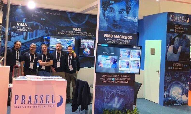Il team di Prassel nello stand allestito alla fiera Intersec 2020 a Dubai
